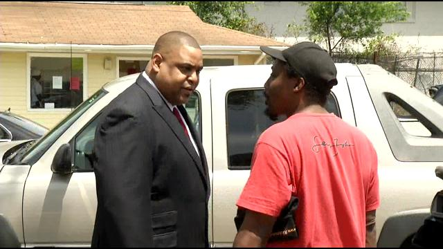 Sheriff Roundtree, Deputies Out In Force To Ease River Glen Apartments Residents Concerns (Image 1)_27072