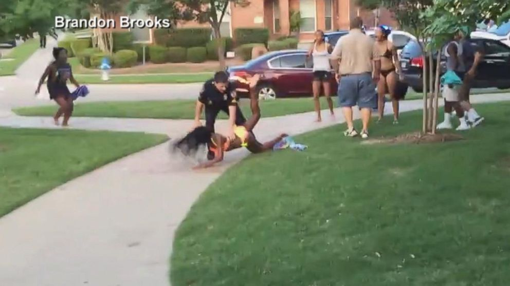 Texas Cop Put on Leave After Video of Arrest Surfaces (Image 1)_30087