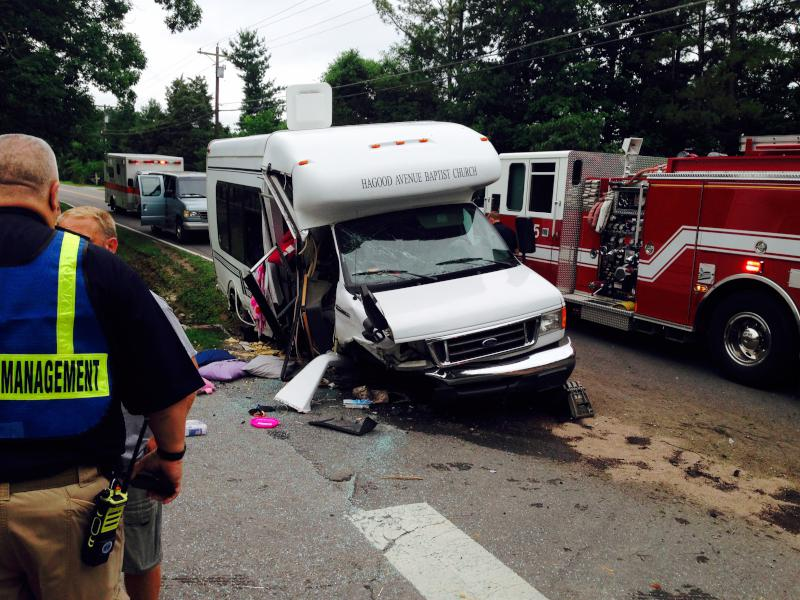 UPDATED ON 6_ 15 Injured In Barnwell Church Bus Crash In Tennessee (Image 1)_30310