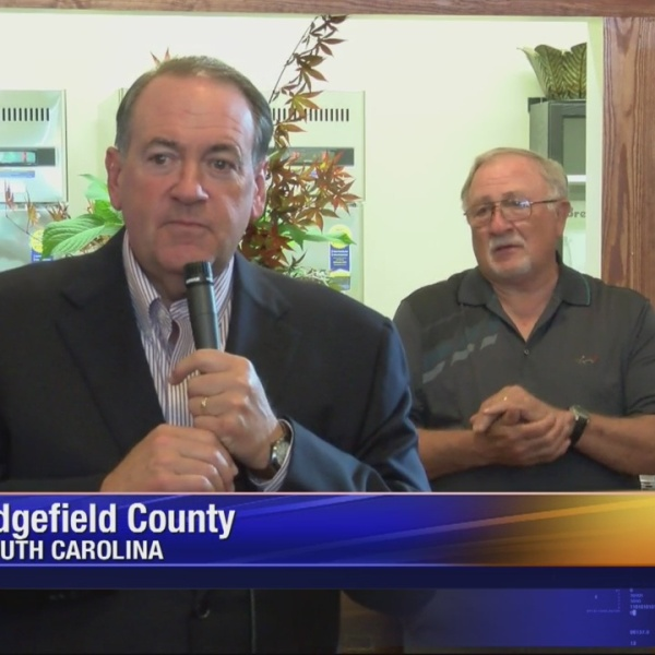 Mike Huckabee in Edgefield_36288