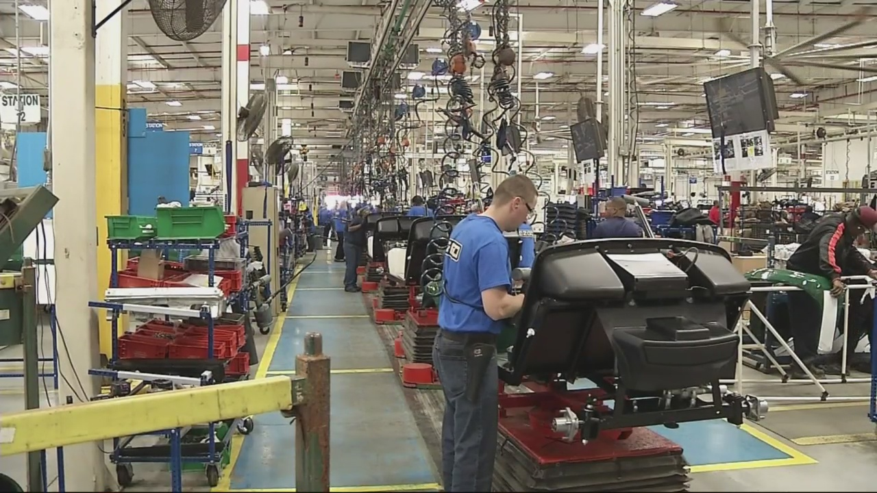 Photo of an assembly line worker at Textron Specialized Vehicles
