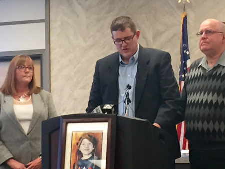 London McCabe's father speaks at a press conference, Feb. 23, 2016 (KOIN)