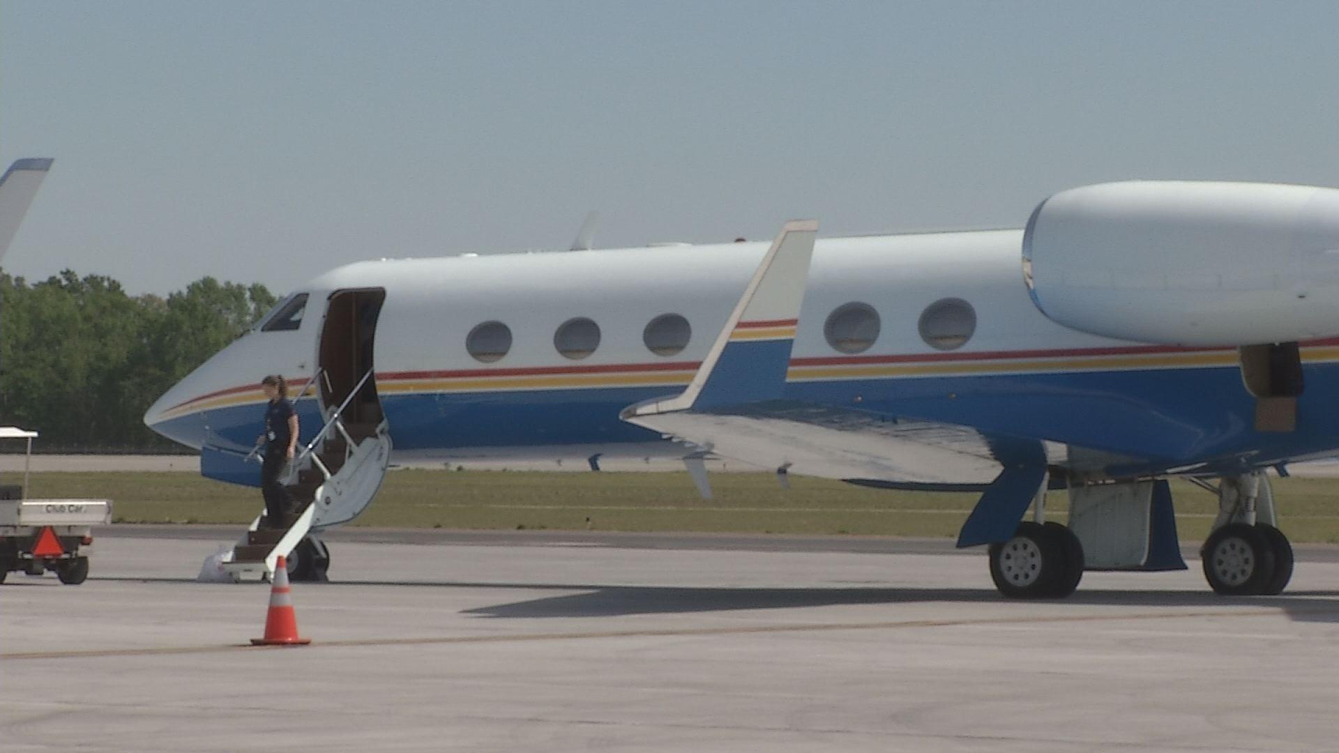 Airplane at Bush Field in Augusta_132911