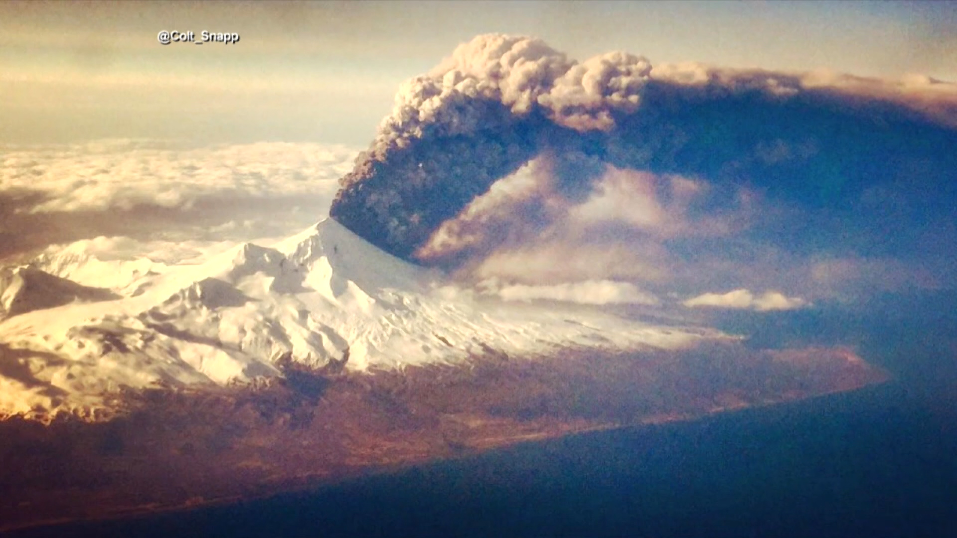 Alaska-Volcano-Eruption-ABC-1_132221