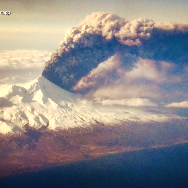 Alaska-Volcano-Eruption-ABC-1_132221