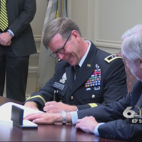 Today Augusta University strengthened its partnership with the the Cyber Center at Fort Gordon by singing a memorandum of understanding to work_138200