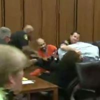 Father Attacks Daughter's Murderer_151985