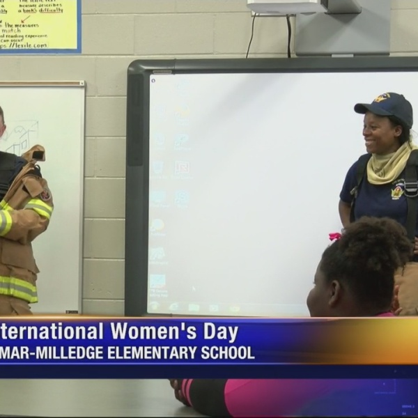Lamar Milledge Girls and Careers_233965