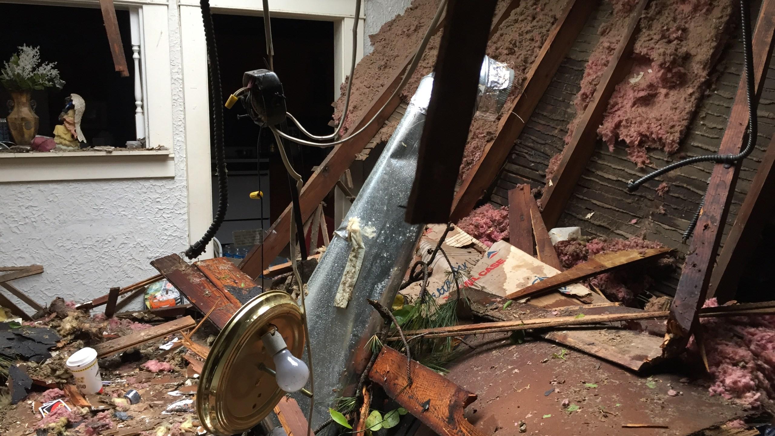 storm damage_244890