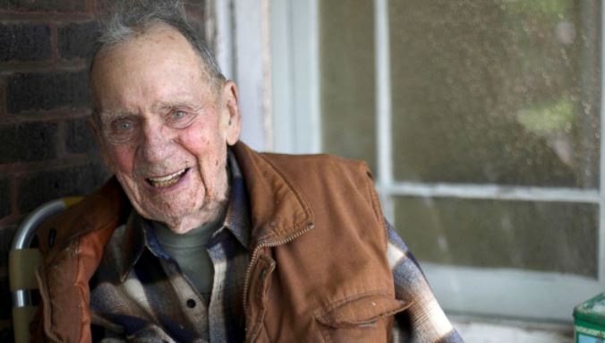 98 year old veteran abc news_271926