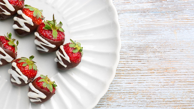 chocolate-covered-strawberries-recipes_1516397866083_334839_ver1-0_32155425_ver1-0_640_360_368881