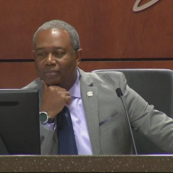 Mayor_says_arena_straw_poll_inconclusive_0_20180627221642