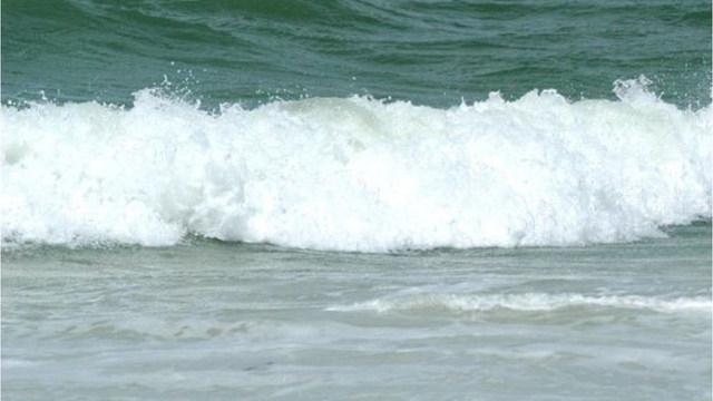 R-BEACH-WAVES-GENERIC-OCEAN_1532516969586_49545929_ver1.0_1280_720_1532527556110_49557623_ver1.0_640_360_1532538619922.jpg