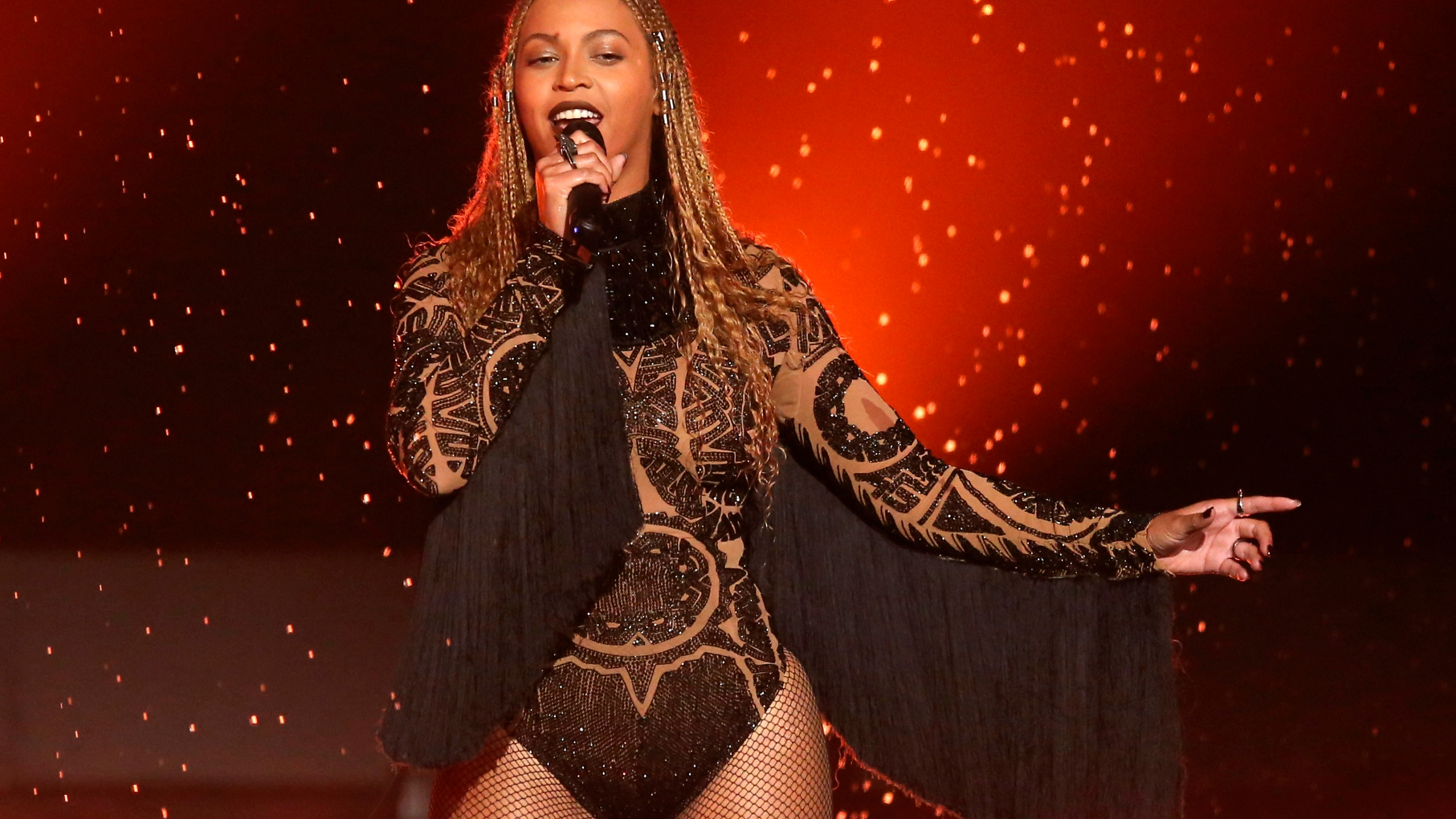 Beyonce-HBCUs_21731-159532.jpg13332968