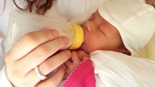 maternity-mother-child_1535642755078_53643296_ver1.0_640_360_1535647093551.jpg