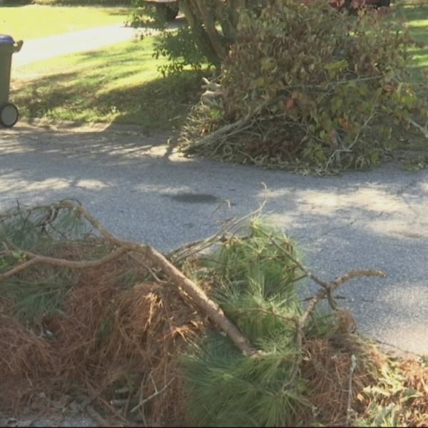 Aiken_Estates_cleaning_up_damage_from_Tr_0_20181012211957