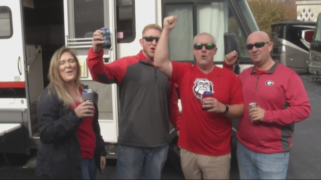 Fans Flock to tailgate at SEC Championship
