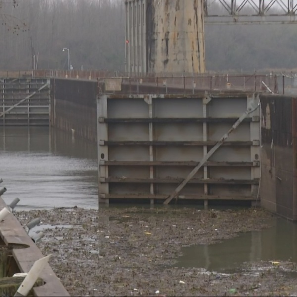 Clock ticks as city works to hire Lock and Dam consultants