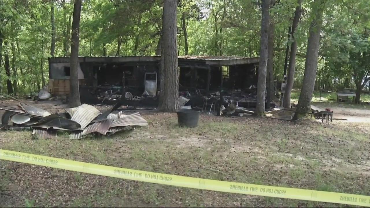 Three_dead_in_Wrens_mobile_home_fire_0_20190427025813