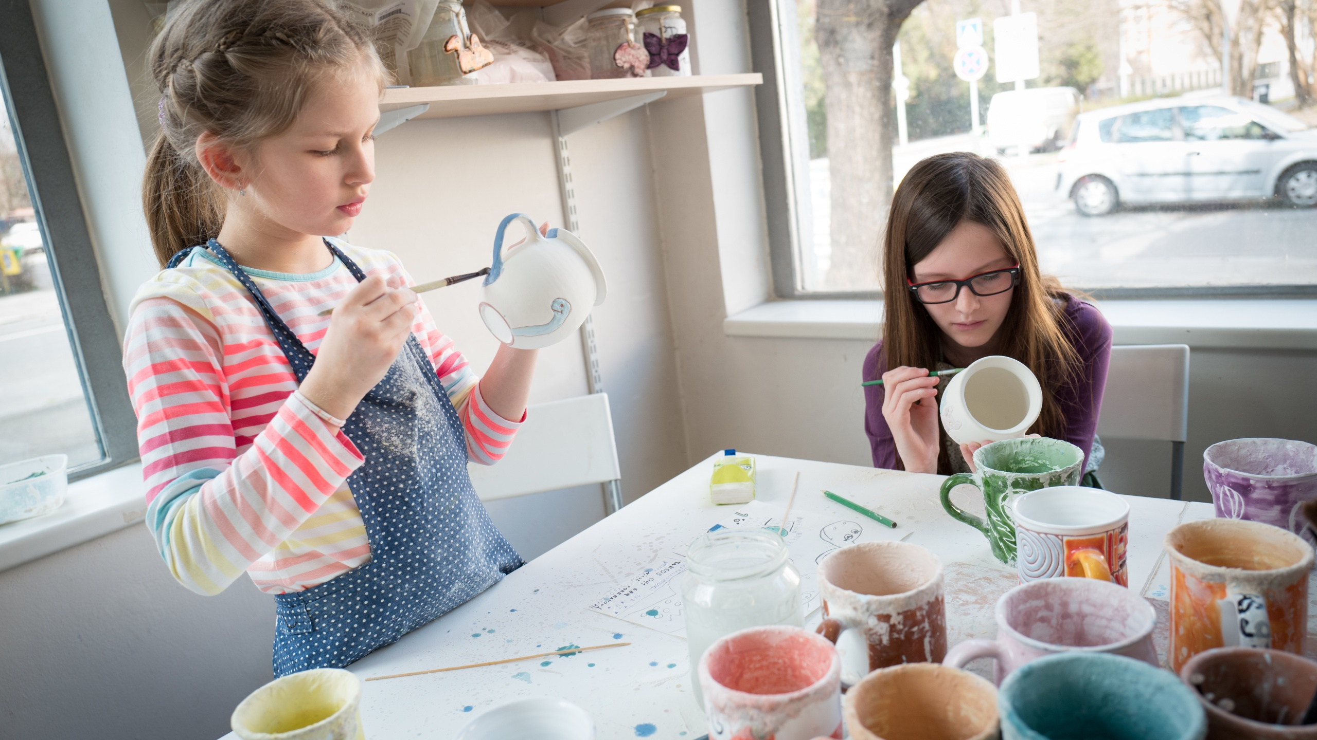 Children and their hobby pottery painting_1559757579223